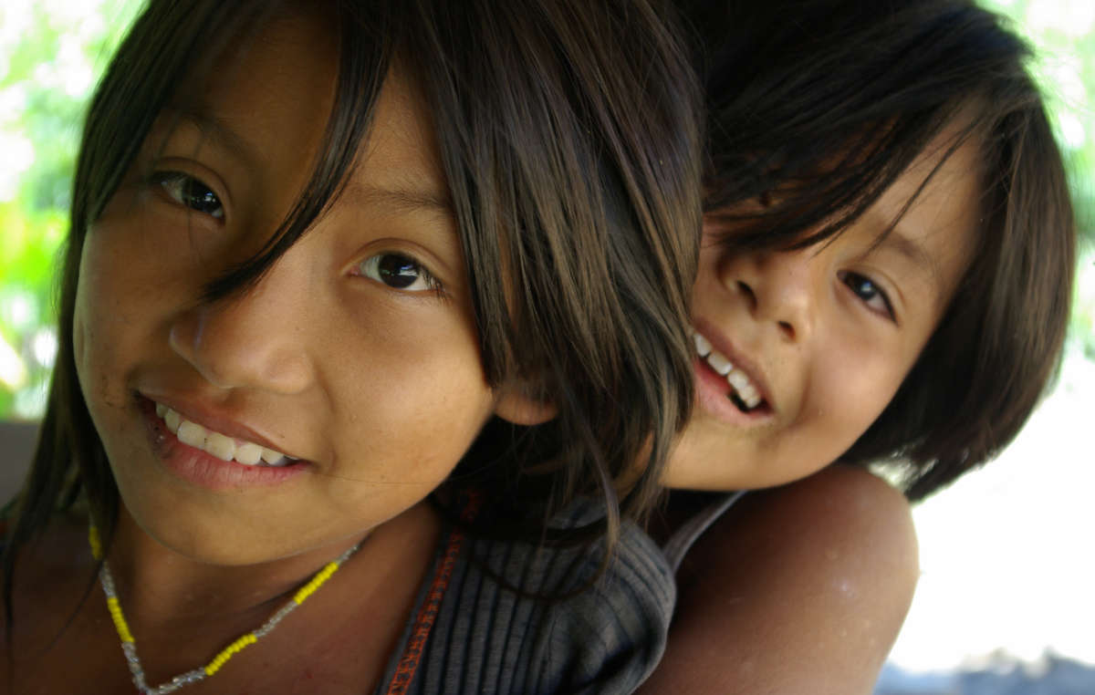 Jeune filles matsigenka, Pérou