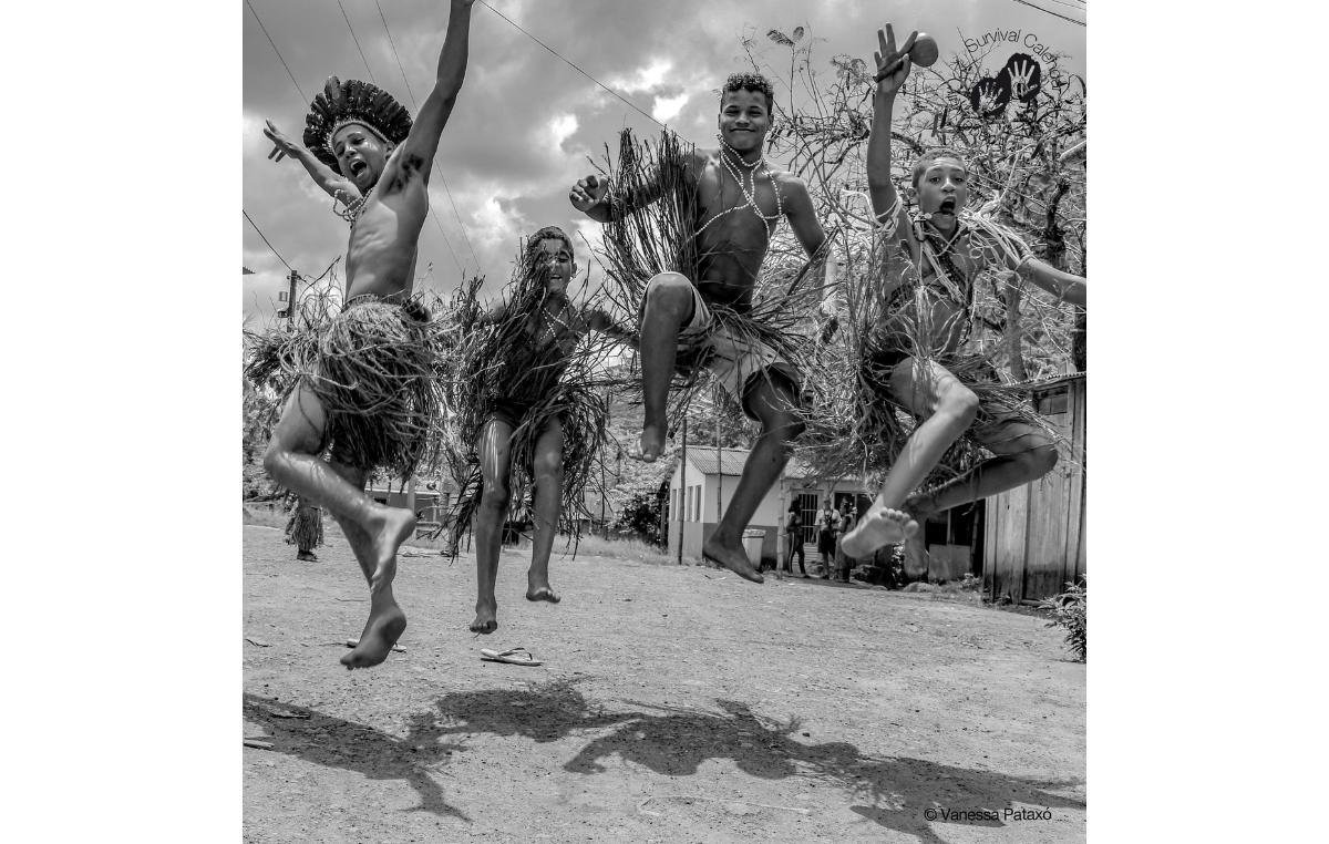 Calendário da Survival 2021. Imagem do mês de julho. Povo Tupinambá, Bahia, 2018.