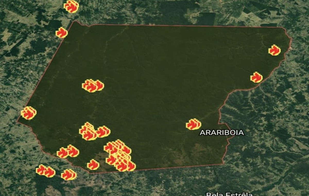 Incendi all'interno del territorio di Arariboia, casa degli Awá incontattati.