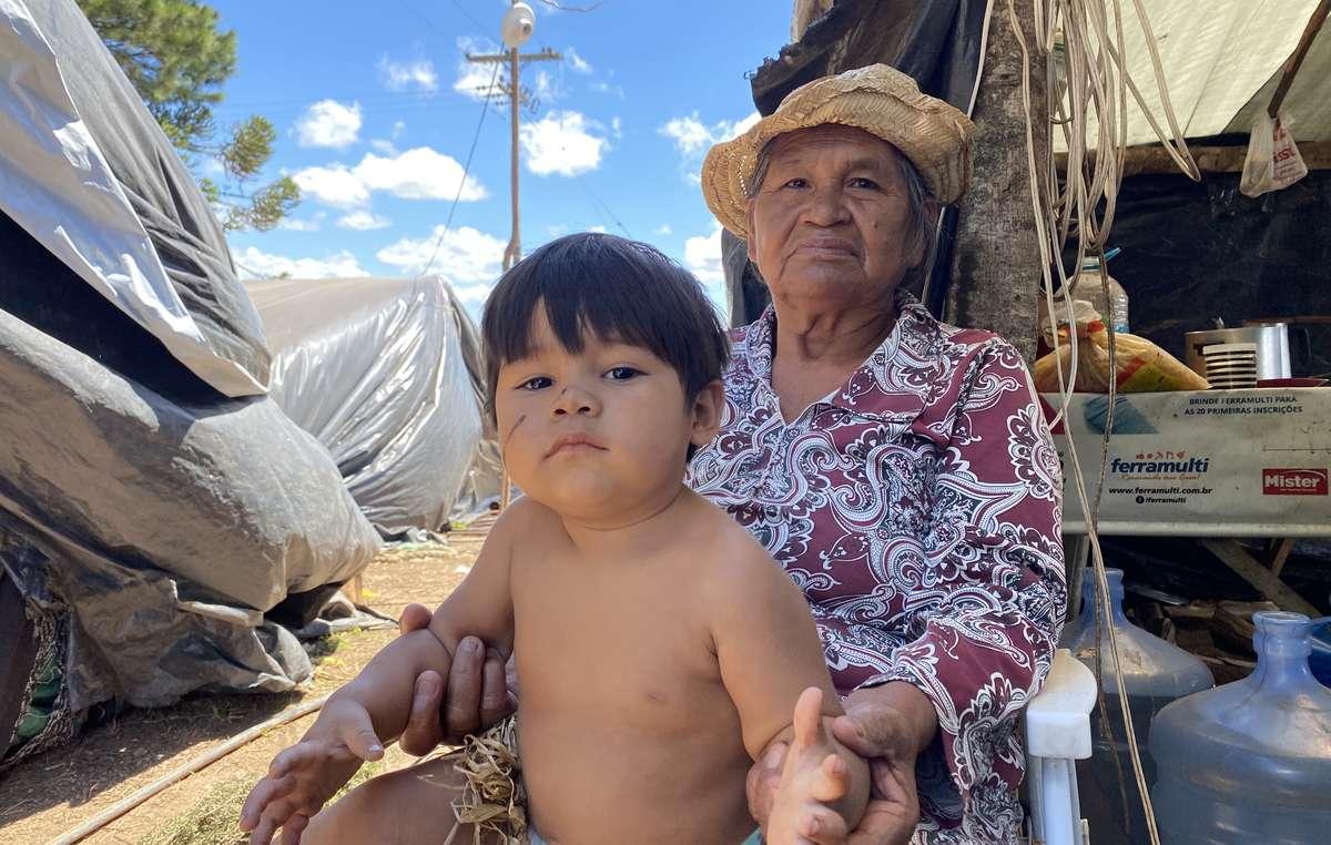 """Auch andere Xokleng-Gemeinden kämpfen für die Rückgabe ihrer Gebiete. Die Xokleng Konglui aus Rio Grande do Sul haben eine """"retomada"""" (Wiederbesetzung) ihres Landes gestartet. Die Regierung möchte das Gebiet zu einem Ort für Ökotourismus machen."""