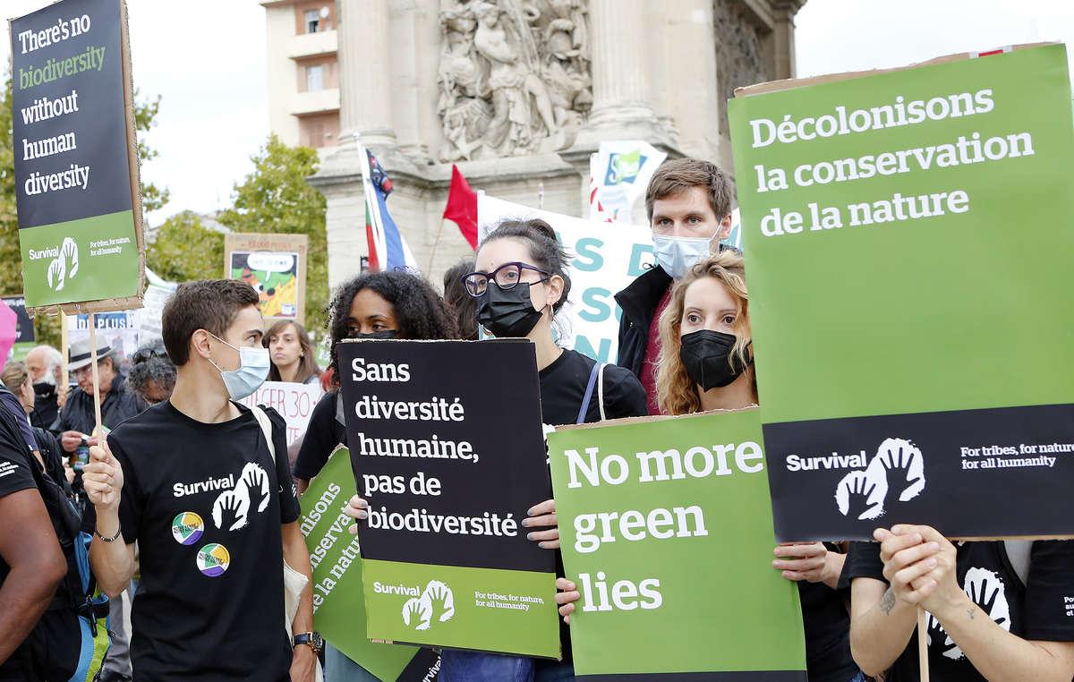 Le vendredi 3 septembre, une marche de protestation a eu lieu à Marseille pour s'opposer au congrès de l'IUCN inauguré ce jour-là dans la même ville. La foule des manifestants s'est rendue de la Porte d'Aix au Vieux-Port, où ils ont illustré l'absurdité du projet des 30 % en délimitant un tiers de L'Ombrière, qui abrite une partie de l'esplanade piétonne en bordure du Vieux-Port.