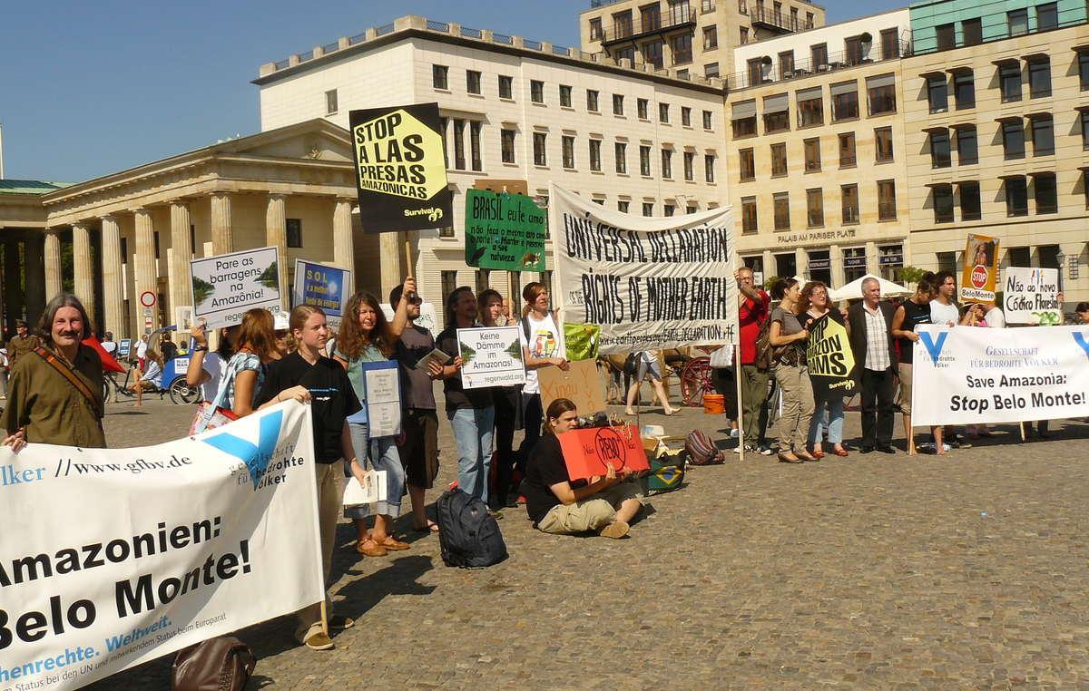 Des milliers de personnes ont manifesté contre le barrage de Belo Monte, depuis plusieurs jours dans plusieurs villes du monde