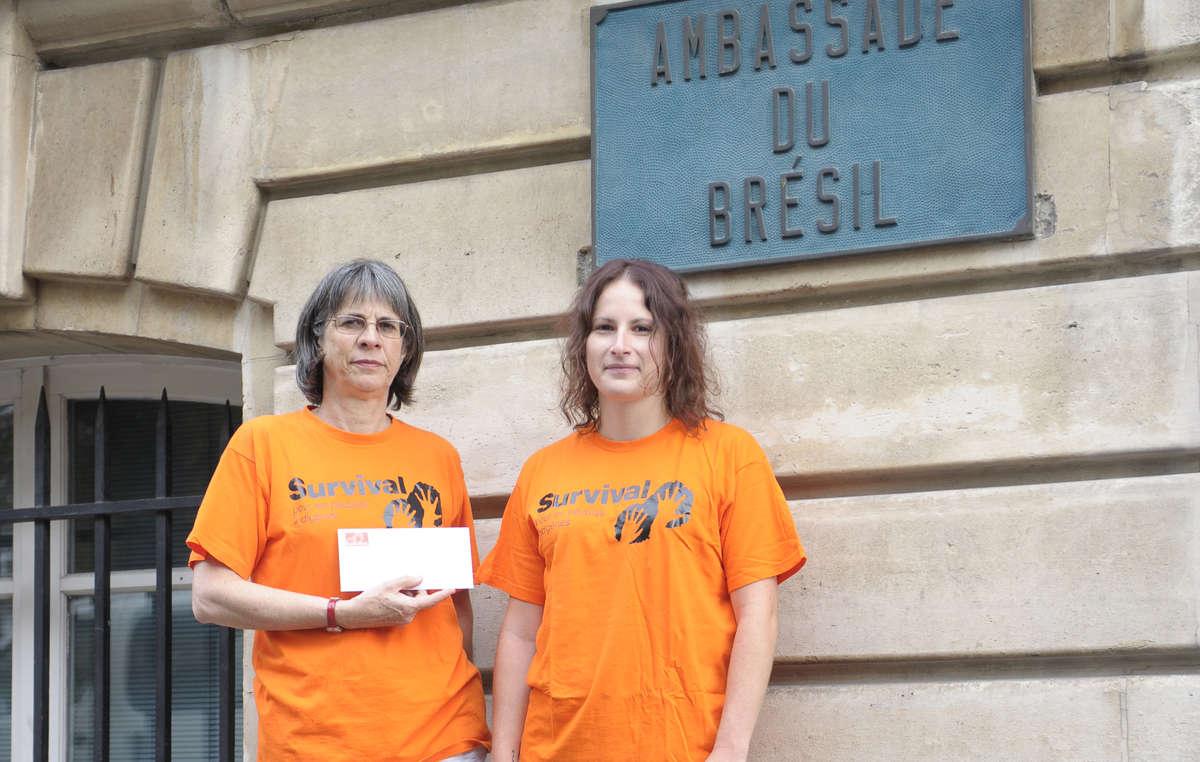 Une lettre de protestation a été remise aujourd'hui à l'ambassade du Brésil à Paris
