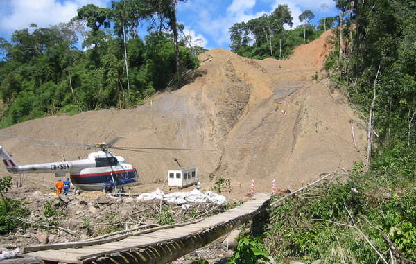 Camisea pipeline construction slashes its way through the forest in Peru
