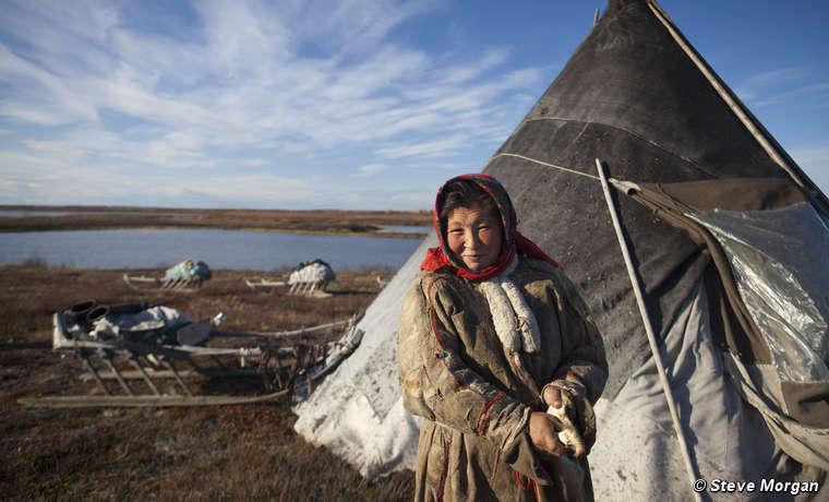 Mujer nénets, península de Yamal, Rusia.