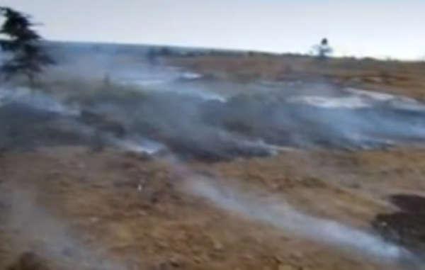 I resti carbonizzati delle case dei Samburu dopo gli sfratti della polizia.
