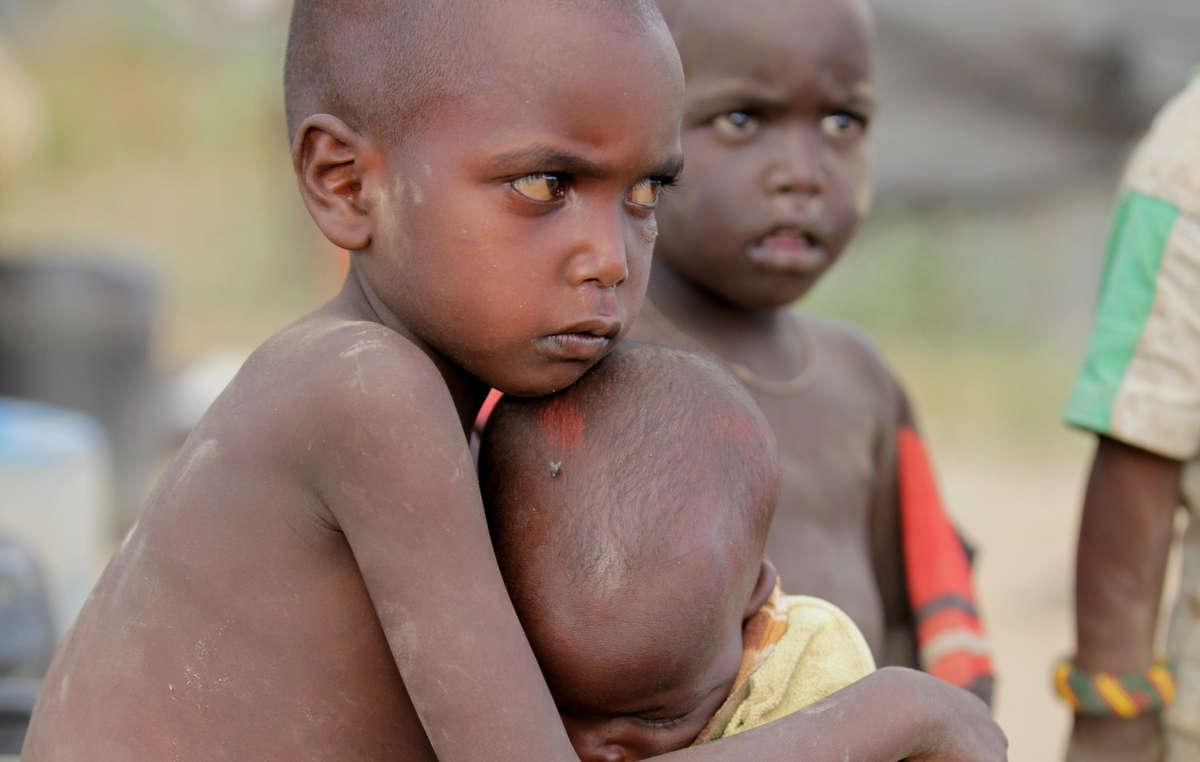 Enfants samburu, Kenya.
