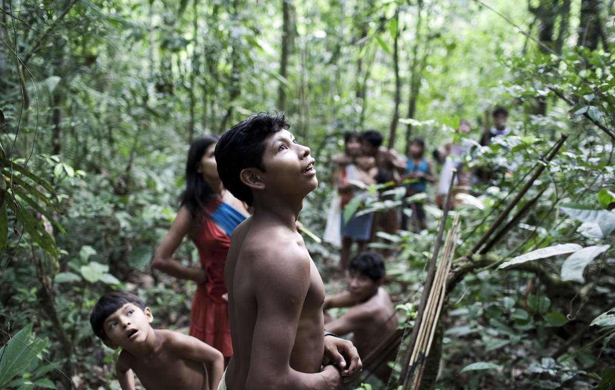 More than 30,000 people have urged Brazil's Justice Minister to save Earth's most threatened tribe.