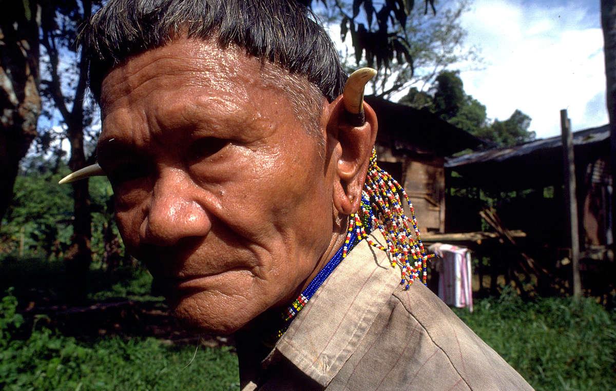 Penan man, Sarawak, Borneo, Malaysia.