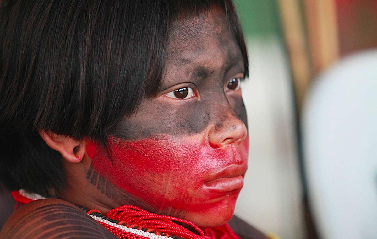 Povos indígenas de todo o Brasil expressam seu repúdio ao PLP 227/2012 que abrirá seus territórios para projetos econômicos.