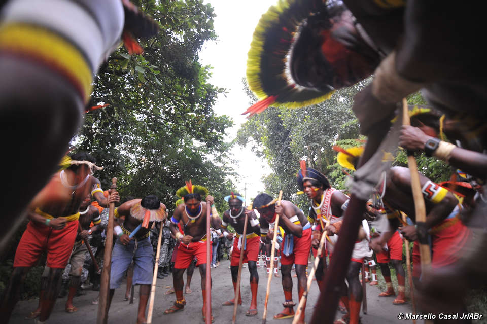 Brazilian Indians Unite At The Rio 20 Summit To Protest For Their Land Rights And