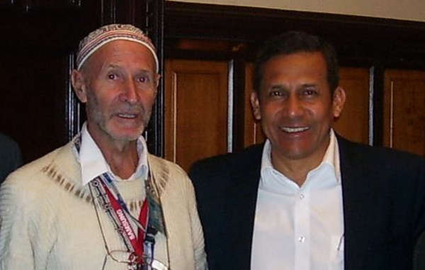 Italian Priest Miguel Piovesan who backs the road, with Peru's President Ollanta Humala.