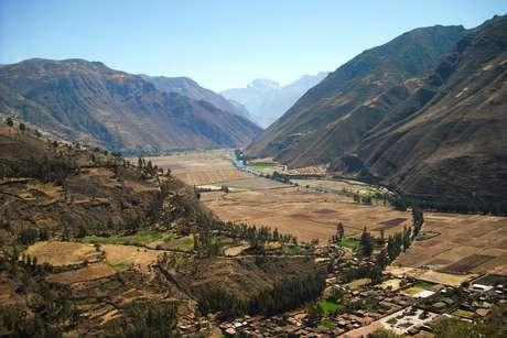 Urubamba-valle-sagrado-3_460_landscape