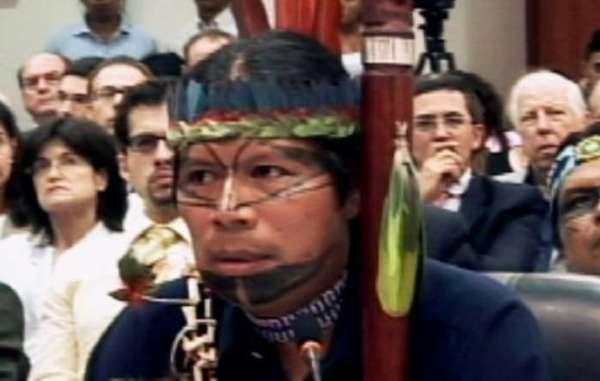 Sarayaku President José Gualinga bepleit zijn zaak voor het Inter-Amerikaanse Hof voor Mensenrechten
