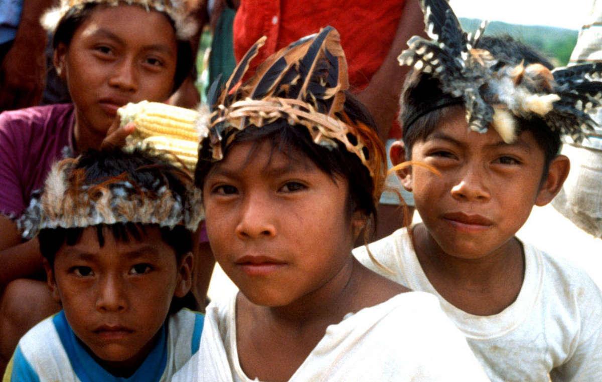 Crianças Makuxi em Uiramutã, Raposa Serra do Sol
