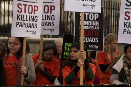 Uk-indo-protest-3_460_landscape