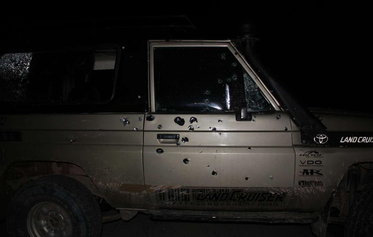 Rogelio Mejía a miraculeusement échappé à lattentat, sa voiture a reçu 40 balles.