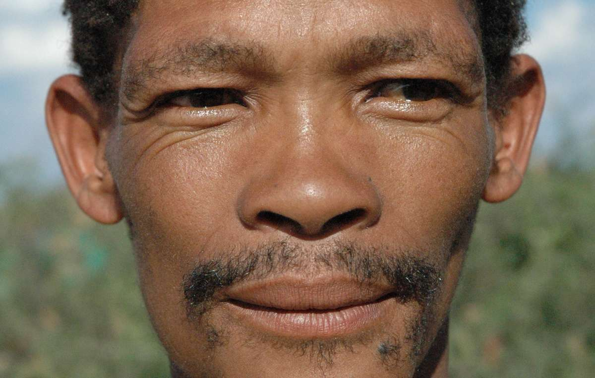 Kebonyeng Kepese has been arrested near the Gope community on the Central Kalahari Game Reserve and beaten for hunting to feed his family, despite the legal recognition of the Bushmen's right to live and hunt on their ancestral land back in 2006.