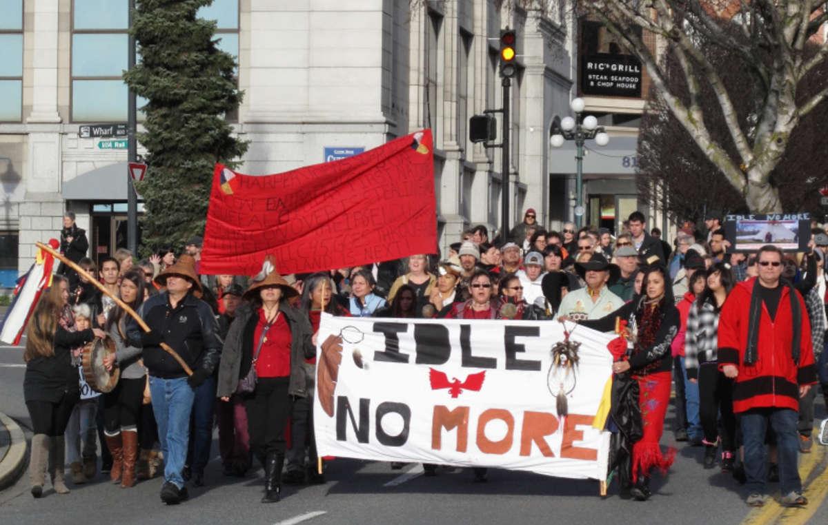 Manifestants d'Idle No More à Victoria, BC, le 21 décembre 2012.