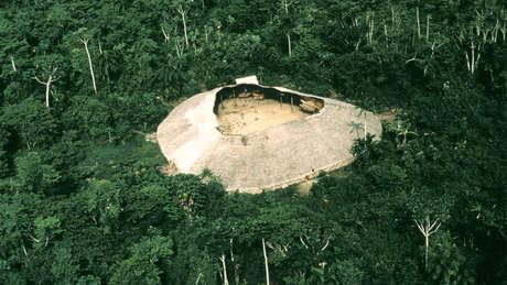 Yanomami maloca 460 wide