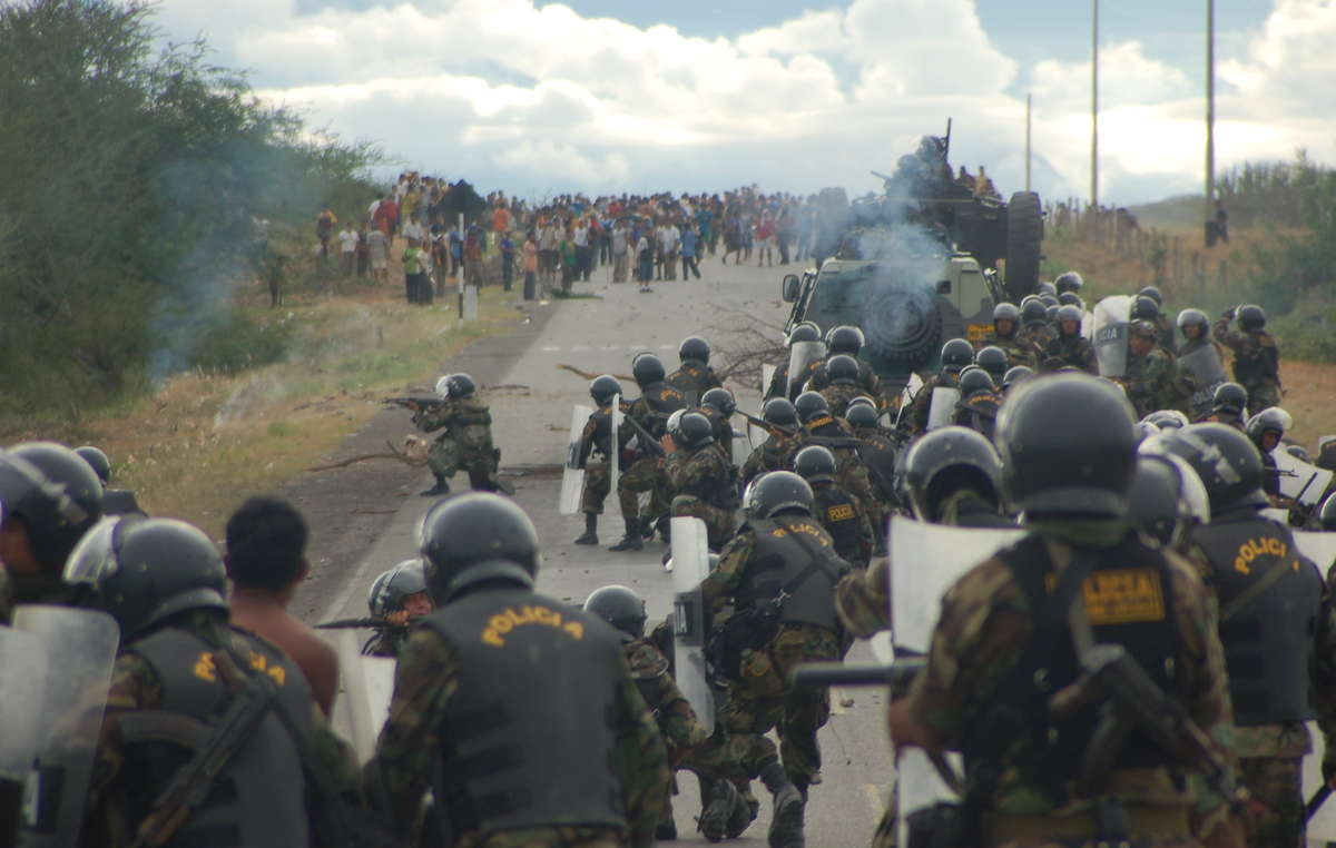 Police attack protesters on June 5th 2009
