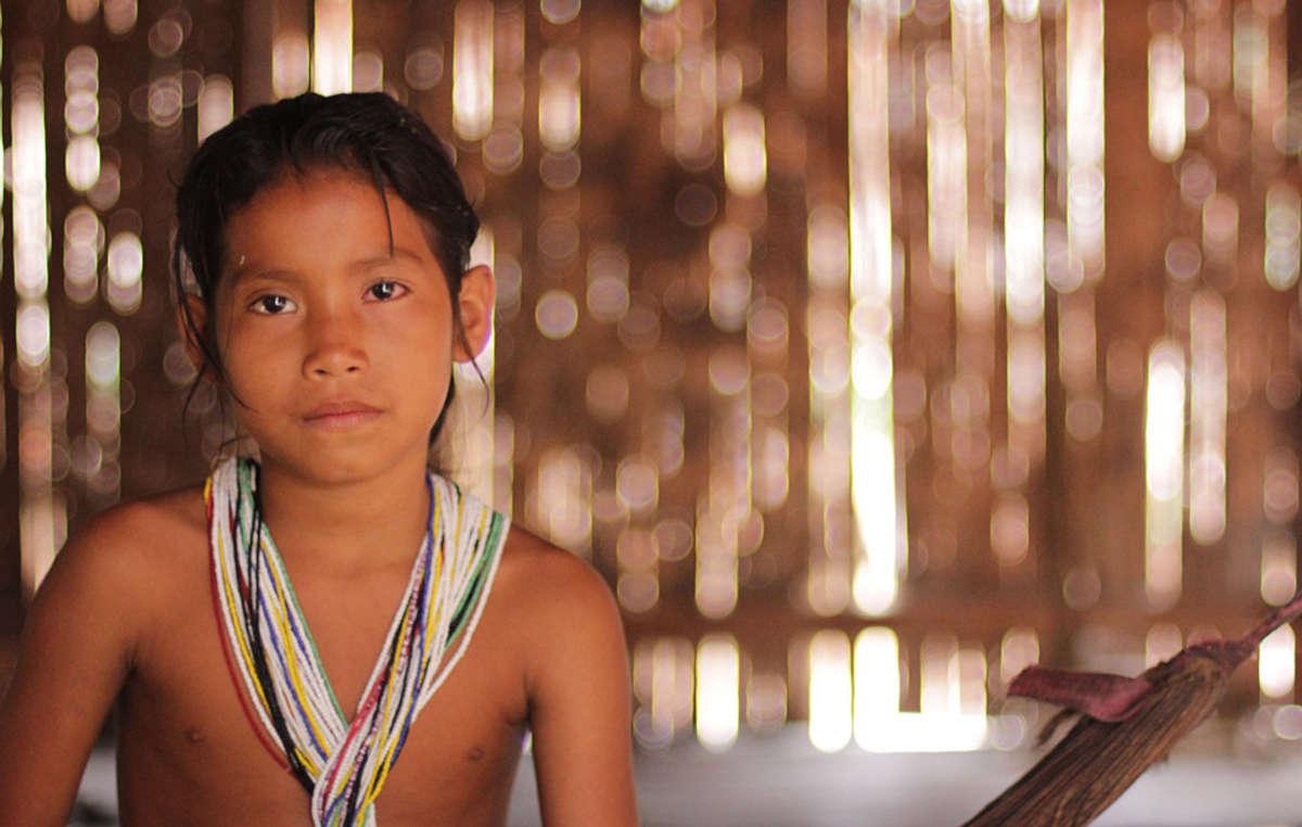 Ein Matsés-Mädchen.