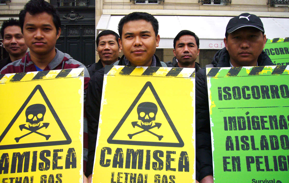 In Paris the Jummas from Bangladesh showed their solidarity with Perus uncontacted tribes.