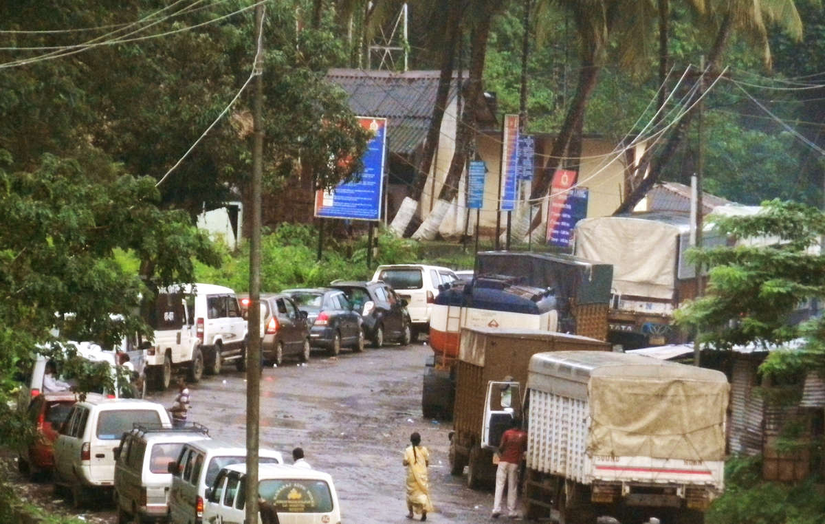 Tourist vehicles queuing to enter the Jarawa tribal reserve.