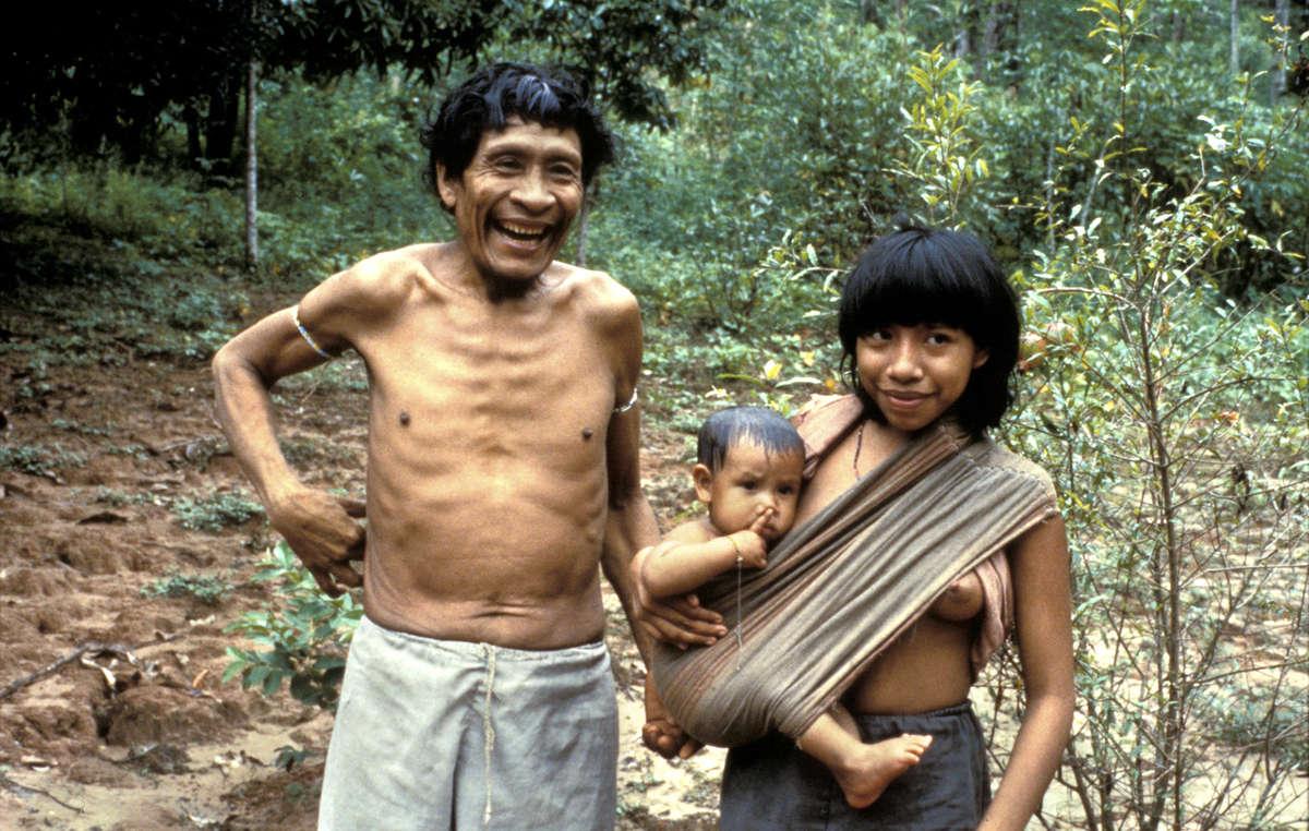Karapiru e sua família.