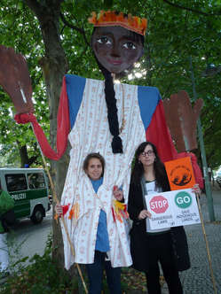 """Protestors in front of the Brazilian embassy in Berlin."""