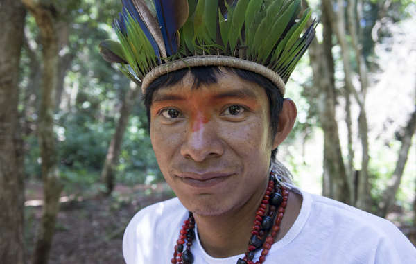Valmir Guarani wurde entführt, mit verbundenen Augen an einen Baum im Wald gefesselt und gefoltert.