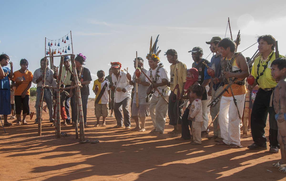 Trotz alldem, was sie durchleben mussten, kämpfen die Guarani leidenschaftlich für ihr Land und das Überleben ihres Volkes.