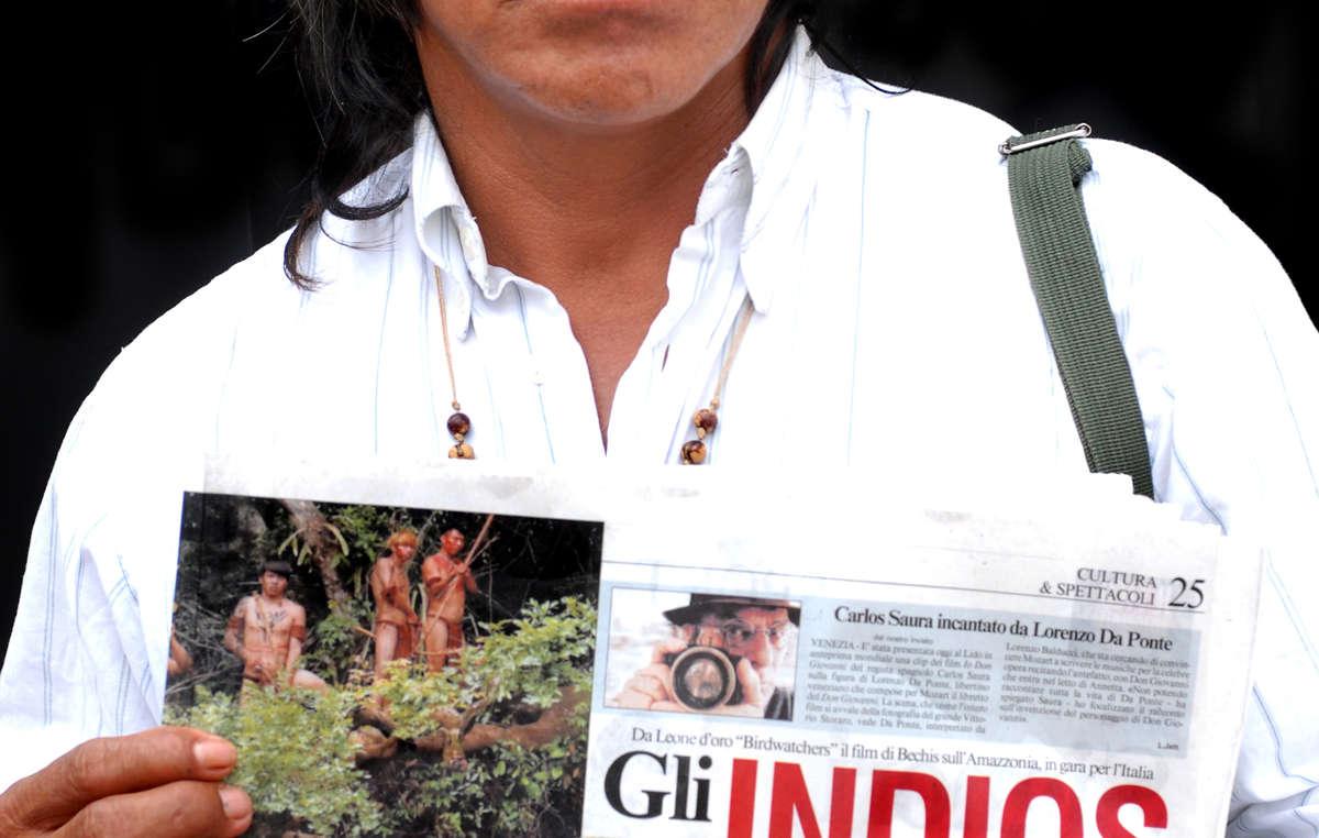 """Nel 2008 Ambrosio aveva partecipato alla prima del film """"La terra degli uomini rossi"""", in concorso al Festival del Cinema di Venezia."""