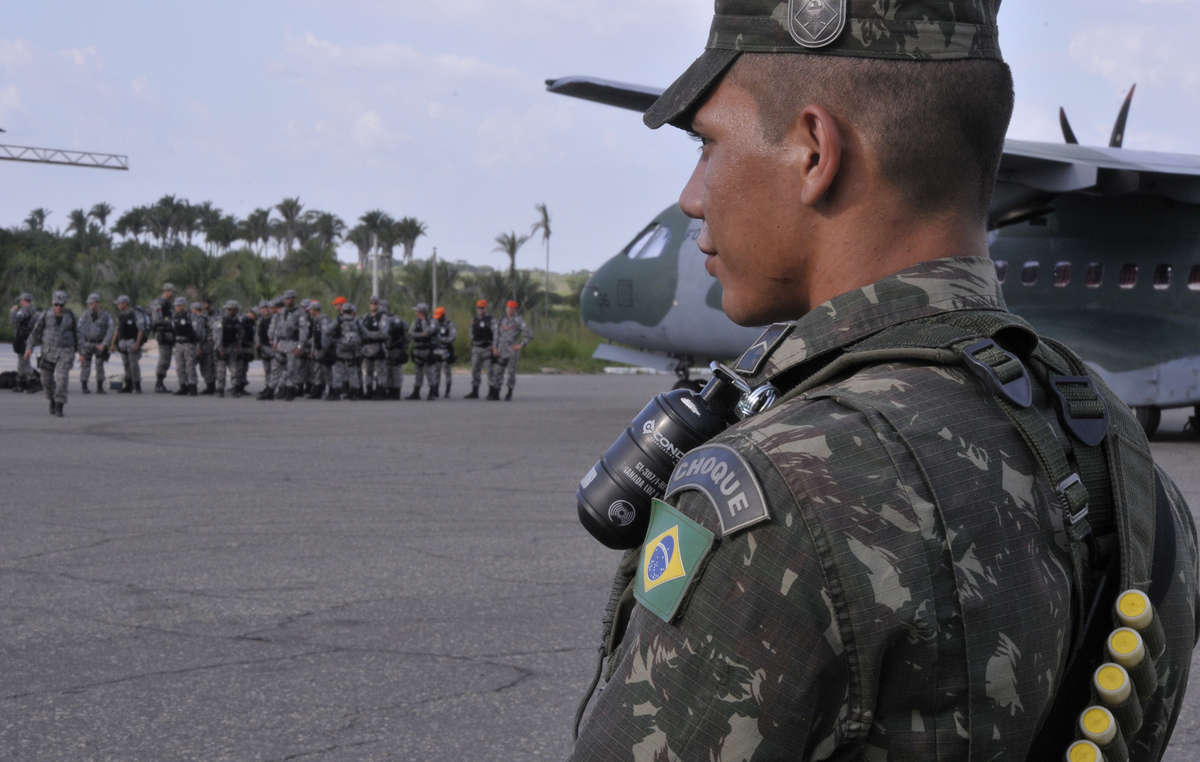 Hundreds of soldiers, police and government agents form the operations ground squad.