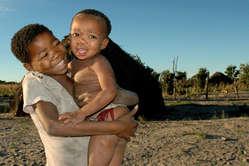 Niños bosquimanos.