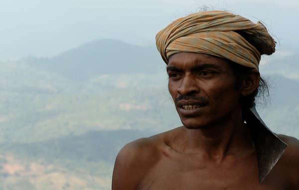 Lodu Sikaka, leader Dongria, ha chiesto che cessino le molestie verso i capi villaggio e ha promesso di difendere Niyamgiri.