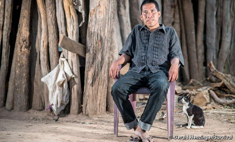 Chagabi arbeitete jahrzehntelang an der Seite seines Volkes, um ihr angestammtes Land und ihre unkontaktierten Verwandten zu verteidigen. Er starb 2019 an einer Atemwegserkrankung, einer Spätfolge des Kontaktes.