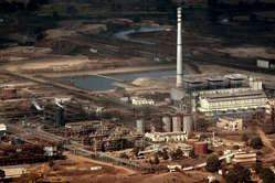 Government pollution inspectors previously criticized Vedantas environmental record at the refinery.