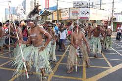 Les Indiens du Brésil manifestent pour leur droit à la terre. © Gustavo Macedo/Survival