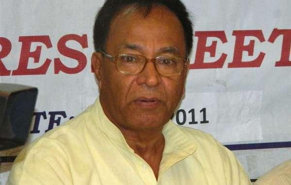 Le député des îles Andaman, Bishnu Pada Ray, a récemment annoncé l'élargissement de la route Andaman Trunk Road et la construction de deux ponts routiers, suscitant des craintes quant à l'augmentation du trafic à travers la réserve des Jarawa.