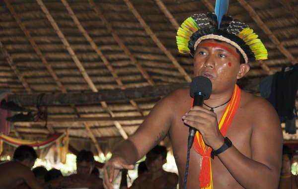 La connaissance, les points de vue et les idées contenues dans les langues autochtones sont d'une valeur incommensurable pour l'humanité.
