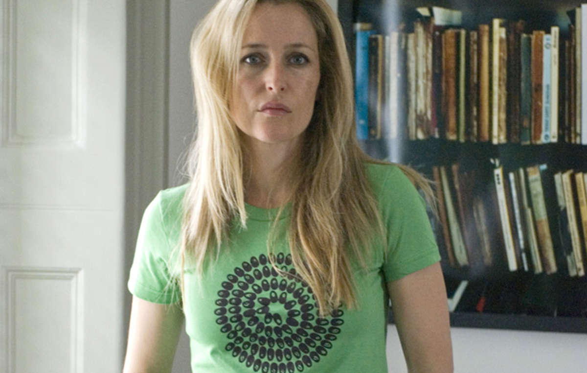 Actor Gillian Anderson and other world-renowned celebrities have joined a call for a new conservation that respects tribal peoples' rights.
