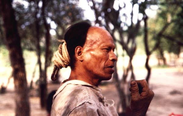 Parojnai est l'un des nombreux Ayoreo morts de maladie suite au contact avec le monde extérieur.